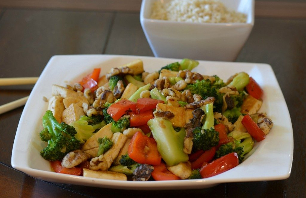 walnut-Brocolli-Tofu-Stirfry-2-1024x698